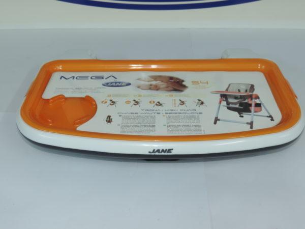 Bandeja de jane modelo mega color blanco sobre bandeja naranja.
